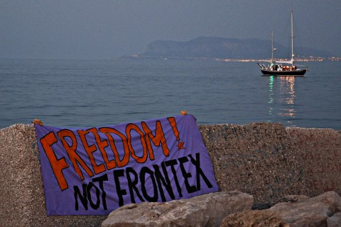 2013-10-24_no frontex
